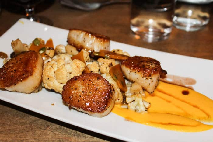 Cantwell's Tavern Pan Seared Scallops