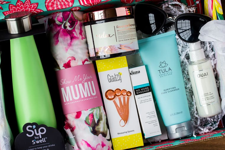 All of the FabFitFun Spring 2019 Box contents inside the box