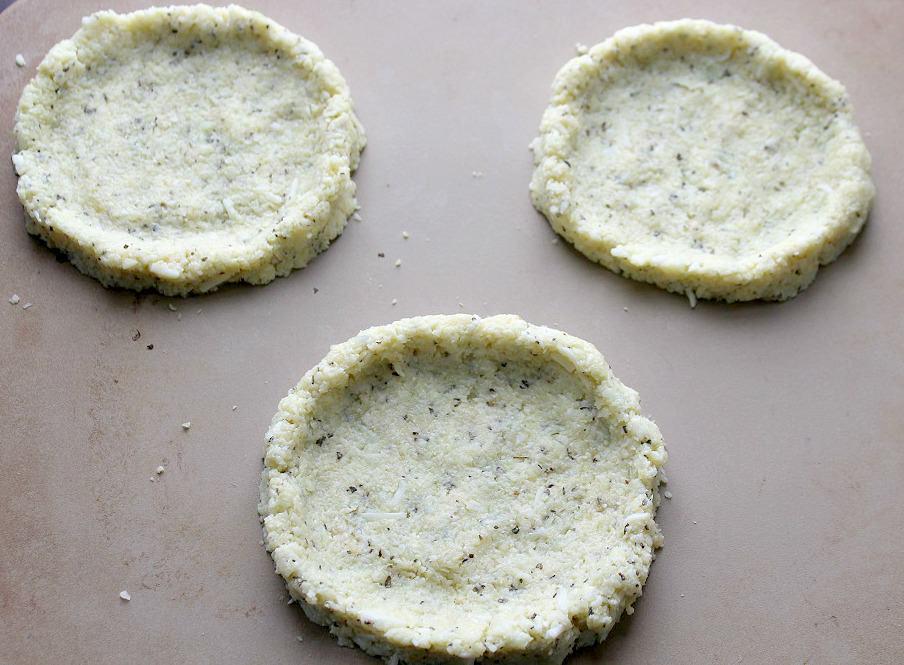 Mini White Pizzas - Cauliflower Crusts