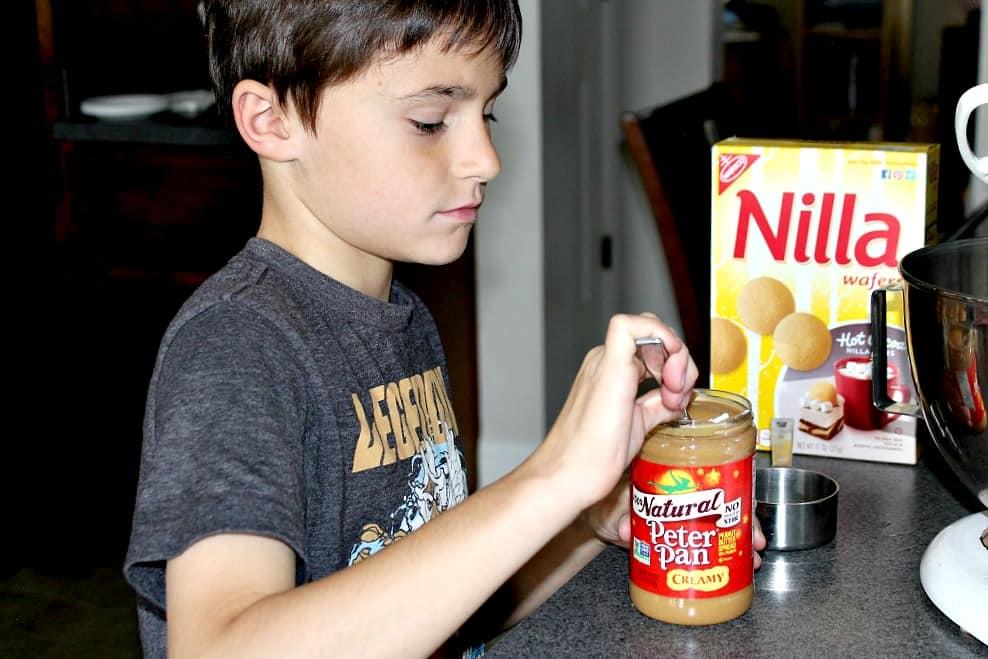 peanut-butter-chocolate-chip-nilla-wafer-sandwiches-3