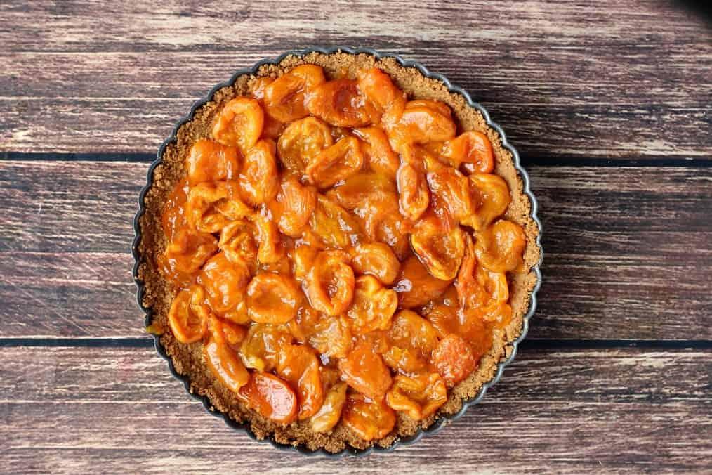 Apricots in Prepared Crust