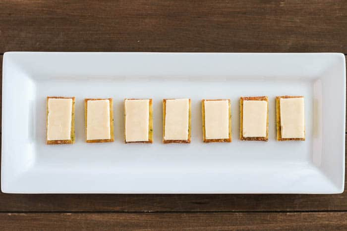 Crackers with Cheese Slices