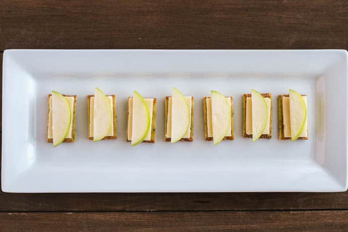 Crackers with Cheese and Apple Slices