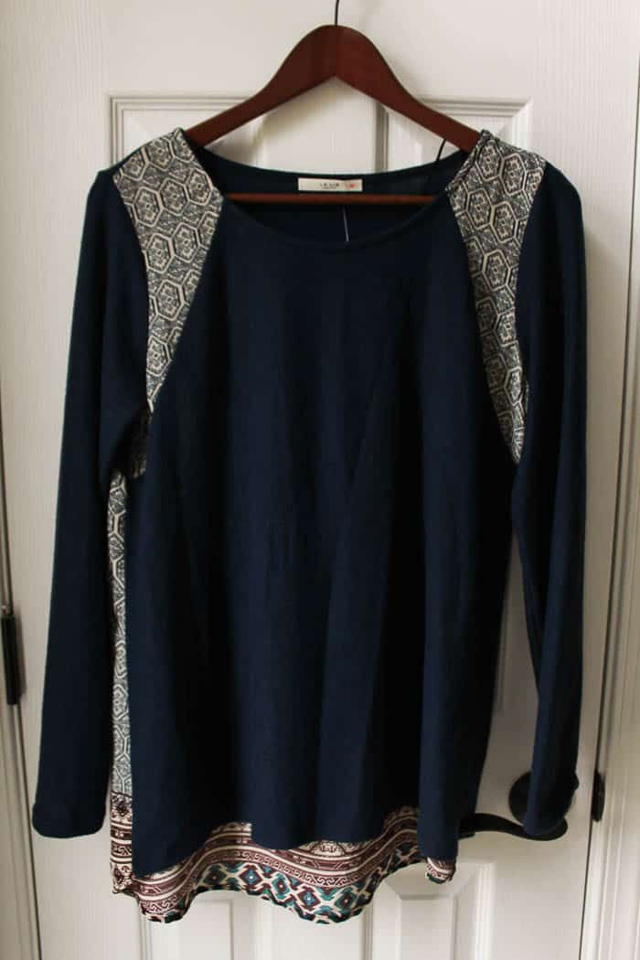 Le Lis Alapay Printed Back Knit Top
