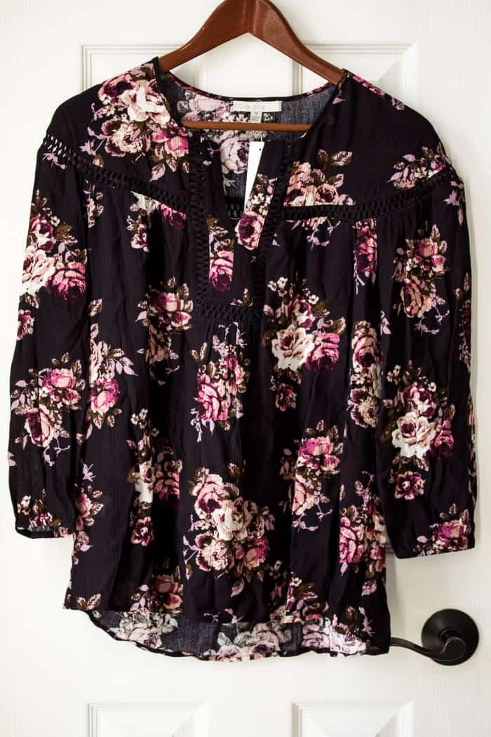 Stitch Fix Pale Sky Gardenia Crochet Detail Top #ad #stitchfix #stitchfixreview #stitchfixinfluencer #springfashion