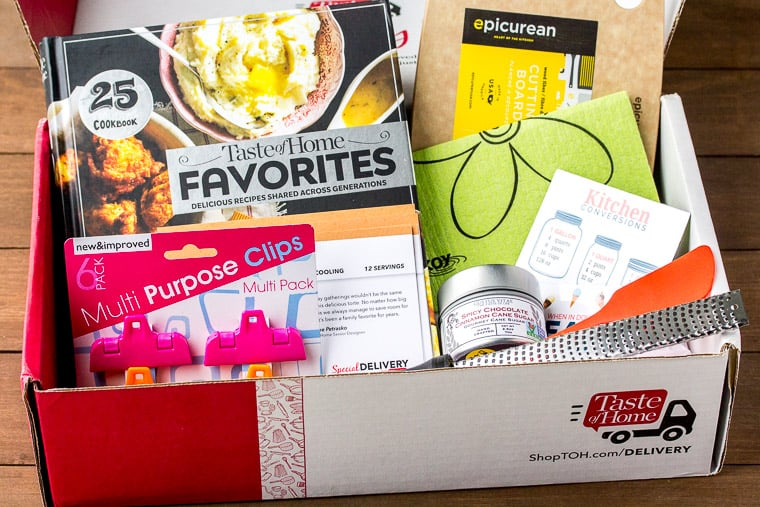 The Fall 2018 Taste of Home Special Delivery Box Filled with All of the Items it Includes