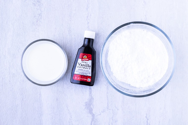 Ingredients needed to make vanilla glaze for scones